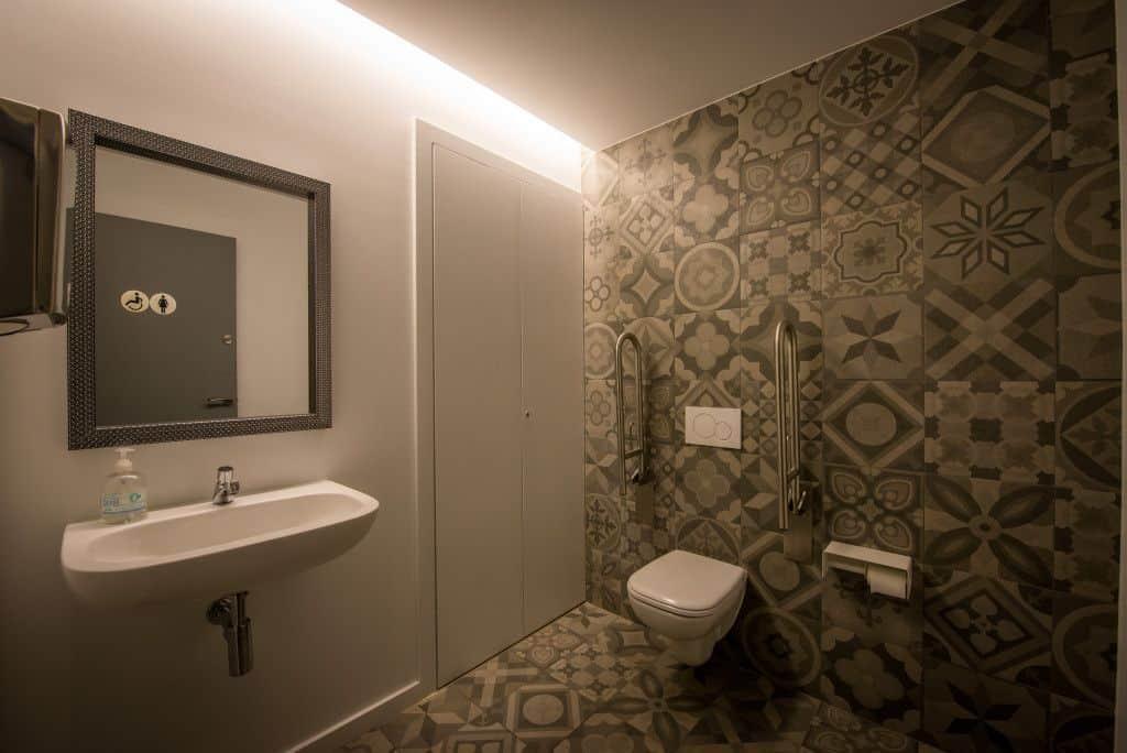 standal-baño-adaptado